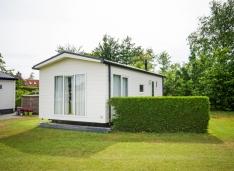 Chalet Sander - rustig gelegen op camping Molkenbos te Formerum, nabij bos, duin en strand.